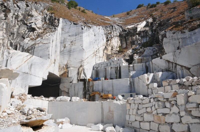 Bagni In Marmo Di Carrara : Il marmo di carrara big player al marmomac di verona adriaeco