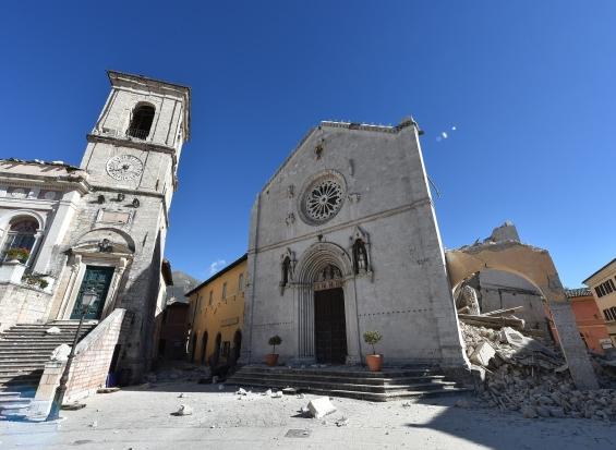 175 milioni per riparazione e restauro delle chiese for Riparazione della cabina di log
